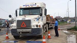 Thanh tra Sở GTVT Hà Nội tước giấy phép lái xe gần 2.000 trường hợp kể từ đầu năm