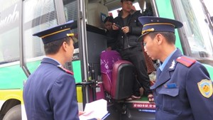 Hà Nội: Điểm danh hai doanh nghiệp có xe bị thu hồi phù hiệu