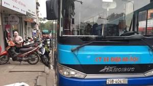 Làm rõ thông tin lái xe buýt quát mắng người đi xe máy