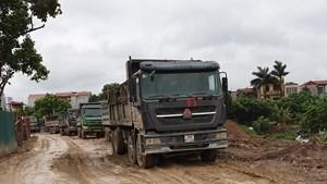 [Điểm nóng giao thông] Mất đường vì xe tải