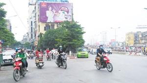 [Điểm nóng giao thông] Vi phạm kép tại nút Giải Phóng - Phố Vọng