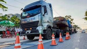 Tháng 10, hơn 500 lái xe bị tước bằng do chở quá tải