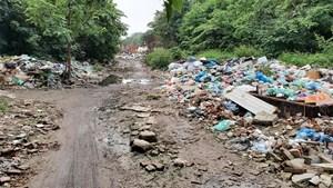 Đường Vĩnh Hoàng thành núi rác