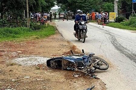Tin nhanh - Thanh Hoá: ô tô đâm xe máy, 3 người thương vong
