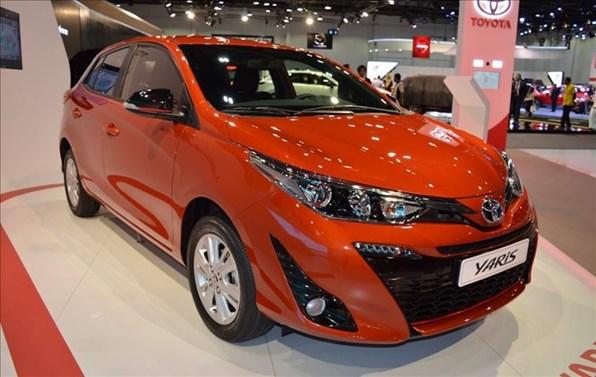Giá xe ôtô hôm nay 29/6: Toyota Yaris có giá 650 triệu đồng