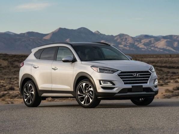 Giá xe ôtô hôm nay 21/7: Hyundai Tucson dao động từ 799-940 triệu đồng