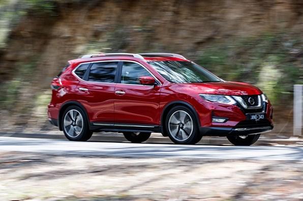 Giá xe ôtô hôm nay 24/11: Nissan X-Trail giảm đến 30 triệu đồng