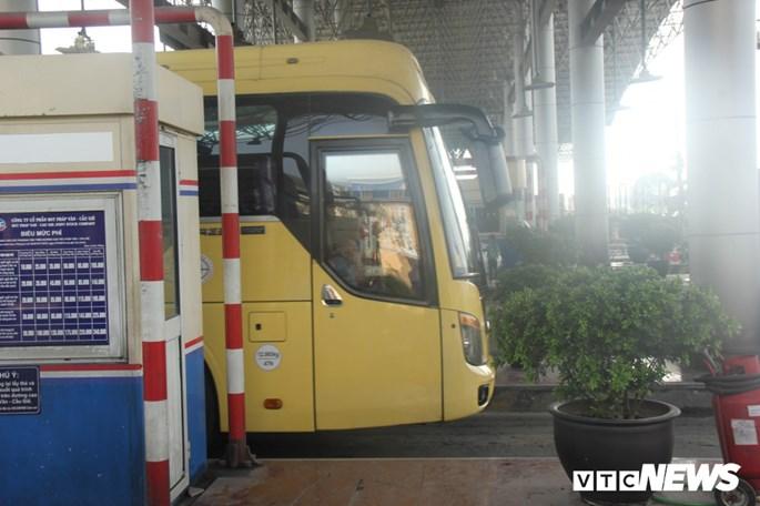 Tram BOT Phap Van - Cau Gie van hoat dong trong ngay dau bi yeu cau dung thu phi hinh anh 3