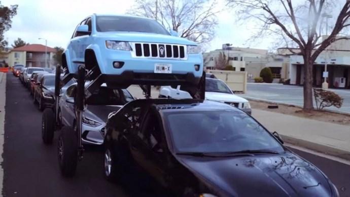 """Cận cảnh giải pháp xe nâng gầm """"vượt tắc đường"""" đáng kinh ngạc"""