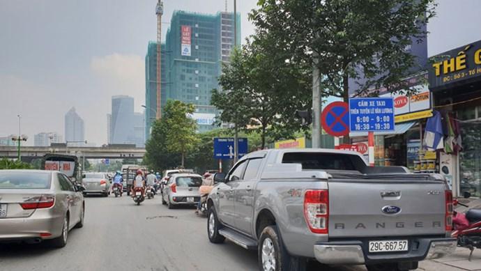 Điểm nóng giao thông: Cản trở giao thông trên lộ trình tuyến buýt BRT