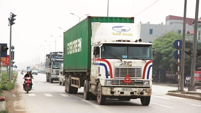 Gia tăng các vụ tai nạn do thùng xe container bị rơi: Hiểm họa từ sự chủ quan