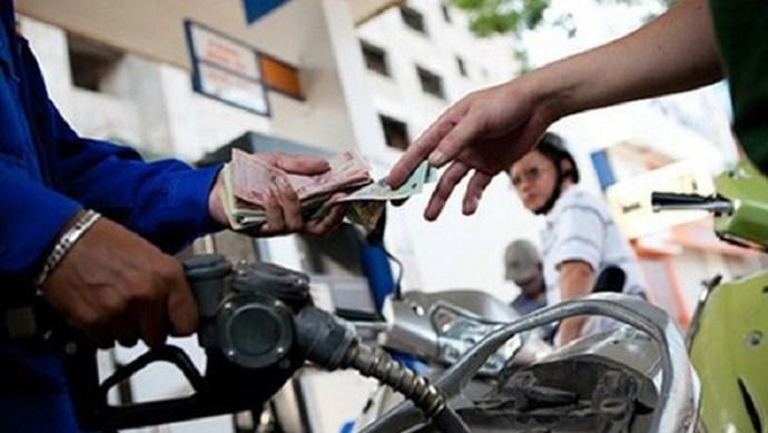 Giá xăng giảm nhẹ sau 2 lần tăng liên tiếp