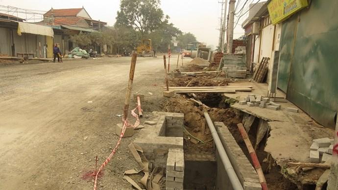 """Đan Phượng: Vẫn """"ngổn ngang"""" dự án cải tạo Tỉnh lộ 417"""