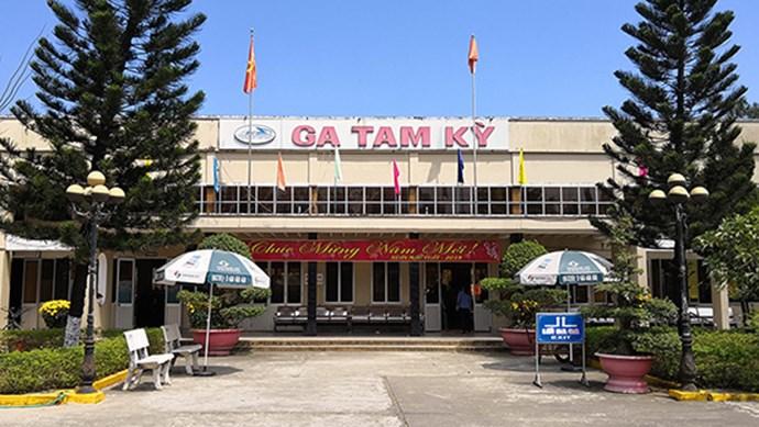 Kiến nghị tạm dừng chở khách qua đường sắt về tỉnh Quảng Nam
