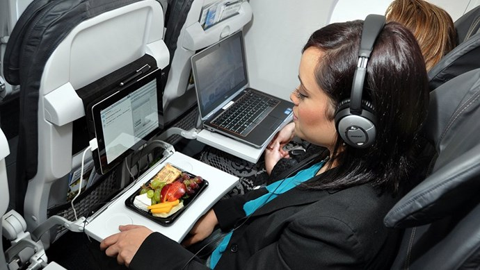 Hành khách quậy phá, chửi bới vì bị yêu cầu dựng thẳng lưng ghế máy bay