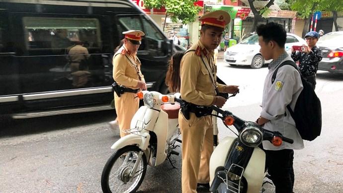 Đề xuất phải có giấy phép lái xe dưới 50cc: Thi sát hạch bài bản là cần thiết