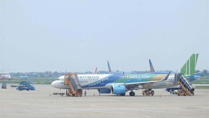Các hãng hàng không chủ động kế hoạch khai thác trong khi sửa chữa đường băng sân bay