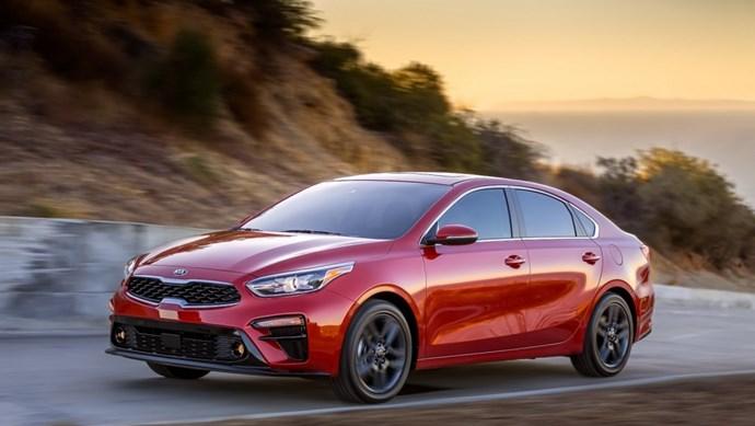 Giá xe ô tô hôm nay 4/8: Kia Cerato giảm đến 30 triệu đồng