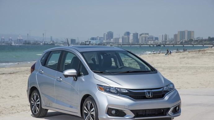 Giá xe ô tô hôm nay 13/8: Honda Jazz dao động từ 544 - 624 triệu đồng