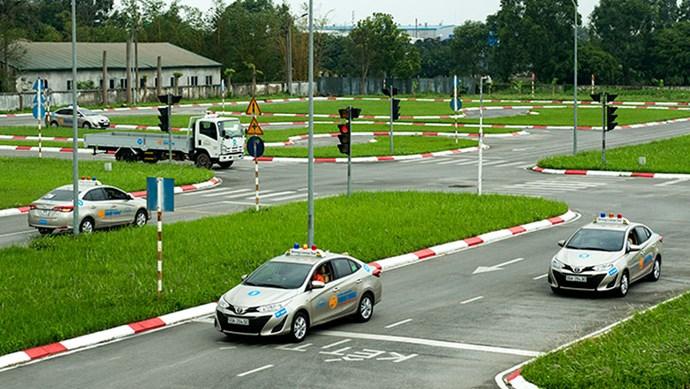 Bộ Công an đề xuất rút thời hạn giấy phép lái xe ô tô xuống còn 5 năm