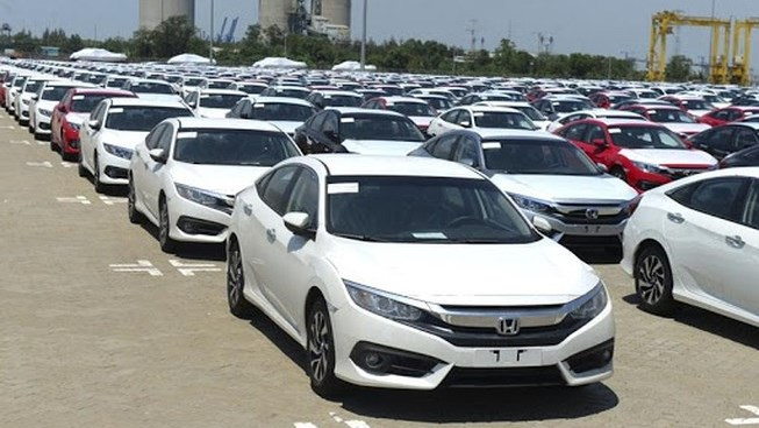 Ô tô nguyên chiếc nhập khẩu vào Việt Nam tăng mạnh