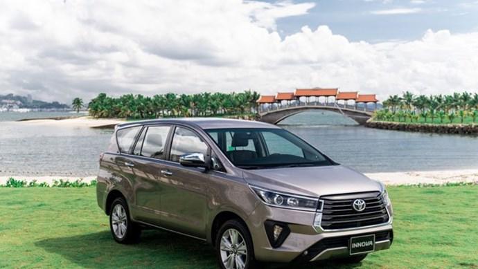 Giá xe ô tô hôm nay 21/10: Toyota Innova giảm mạnh