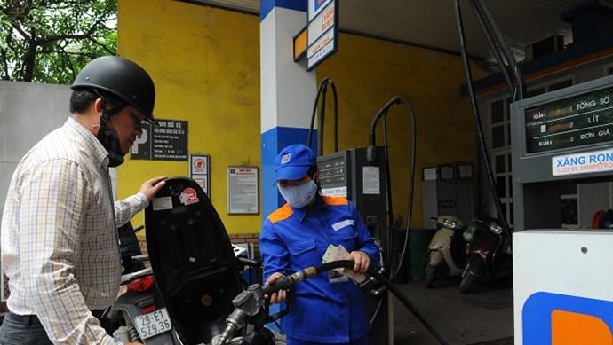 Xăng dầu tăng giá: Người dân, doanh nghiệp thêm nỗi lo