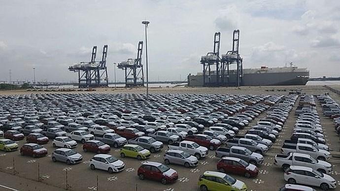 4 tháng, nhập khẩu hơn 49.000 ô tô nguyên chiếc