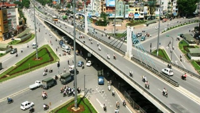 Kiến nghị mở rộng cầu vượt Mai Dịch thêm 7,7m