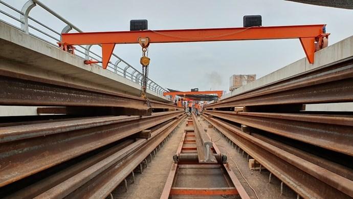 [Video] Các thanh ray tuyến đường sắt Nhổn - Ga Hà Nội được hàn như thế nào?