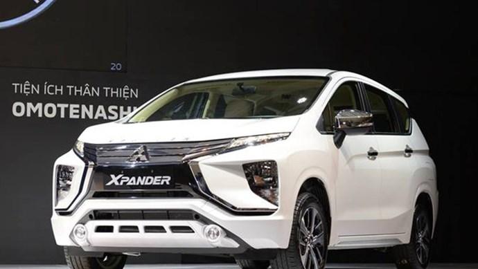 Mua ô tô 7 chỗ với giá 800 triệu tại Việt Nam