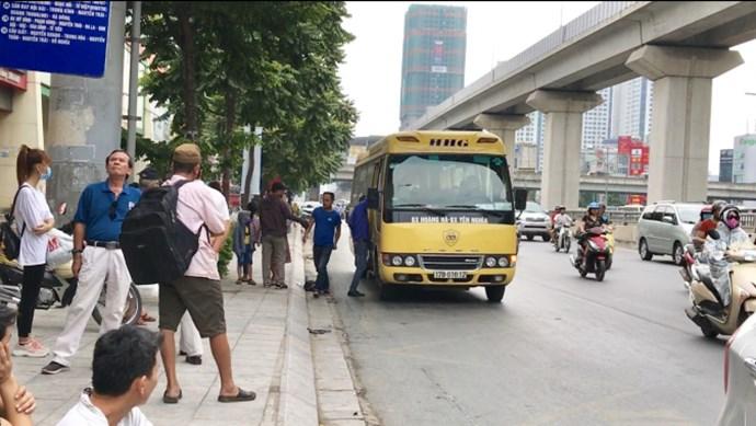 """Kỳ lạ xe khách Hoàng Hà được """"ưu ái"""" chạy vượt tuyến, lập bến cóc"""