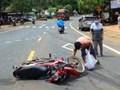 Tai nạn giao thông mới nhất hôm nay (10/10): Người phụ nữ bị cán đứt 2 chân sau va chạm xe tải