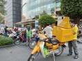 Thủ tục đăng ký dành cho nhân viên vận chuyển hàng hoá thiết yếu ở Hà Nội