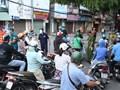 Giãn cách xã hội: Doanh nghiệp, cơ quan cấp giấy đi đường vô tội vạ
