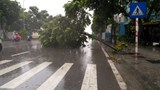 Bão số 3 gây mưa lớn tại Hà Nội, nhiều tuyến phố ngập cục bộ