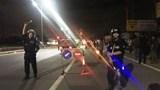 Tông xe máy vào dải phân cách trên QL51 trong đêm, 2 thanh niên tử vong