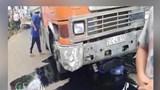 Clip: Xe đầu kéo ủi hàng loạt xe máy, một người nguy kịch