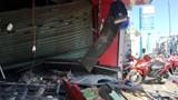 Xe container lao vào 2 cửa hàng gần sân bay Tân Sơn Nhất, nhiều người thoát chết