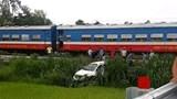Quảng Ngãi: Cắt đầu tàu hỏa, tài xế xe hơi trọng thương