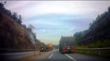 Truy tìm lái xe container cố tình đi ngược chiều trên cao tốc Nội Bài - Lào Cai