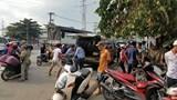 Phát hiện người đàn ông nôn ói và gục chết trên xe máy