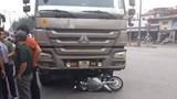 """Hà Nội: Người phụ nữ tử vong sau va chạm với xe """"hổ vồ"""""""