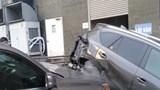 Hà Nội: Lexus hạng sang mất lái tông hàng loạt ô tô