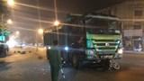 Hà Nội: 2 vợ chồng bị cuốn vào gầm xe tải tử vong thương tâm