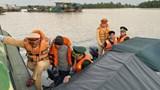 Cứu 2 người bị nạn trên sông