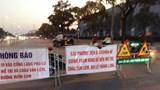 Hà Nội: Bất chấp thông báo cấm, ô tô vẫn đi vào đường Lê Quang Đạo