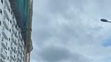 'Đứng hình' với xe ba bánh chở hàng cồng kềnh náo loạn trên phố
