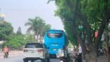 Xe khách đại náo phố Kim Đồng