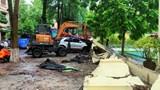 Hoàn thành di dời 13 xe ô tô bị tường gạch đổ sập